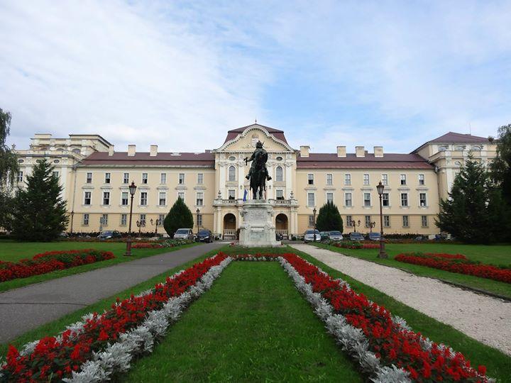 聖伊士特國王大學